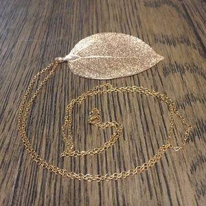 Jewelry - Leaf necklace